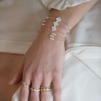 bracelet alexine plaqué or croix nacrée pierres de lune