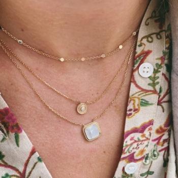collier clémence plaqué or médaille sertie d'oxyde de zirconium