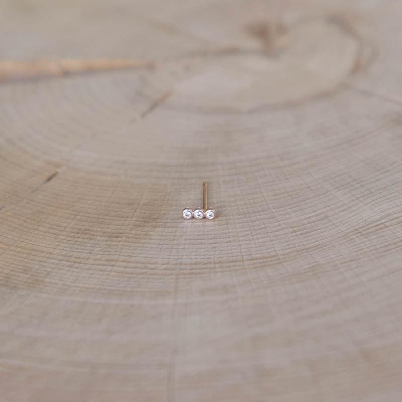 boucle Nina puce plaqué or perlé zirconium