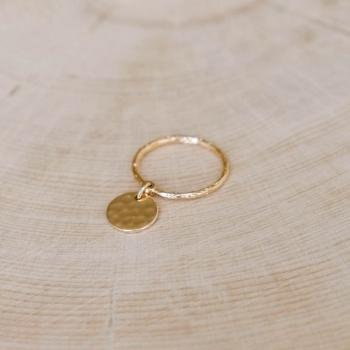bague maëlle médaille martelée plaqué or