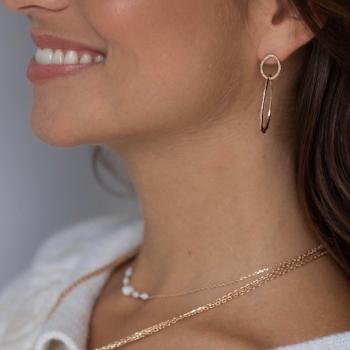 boucles clara anneaux entremêlés aspect mat plaqué or