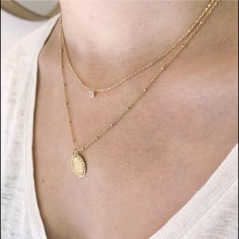 collier blanche plaqué or médaille martelé picots chaîne perlée