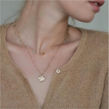 collier eugénie plaqué or pendentif martelé chaîne perlée