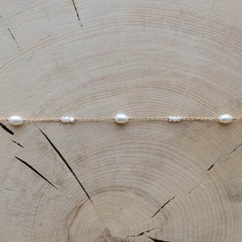 bracelet fin Bertille perles d'eau douce plaqué or