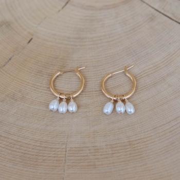 petites créoles Margaret perles dorées perles d'eau douce plaqué or