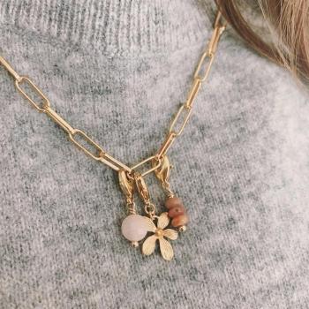 charm cassiopée petite fleur plaqué or