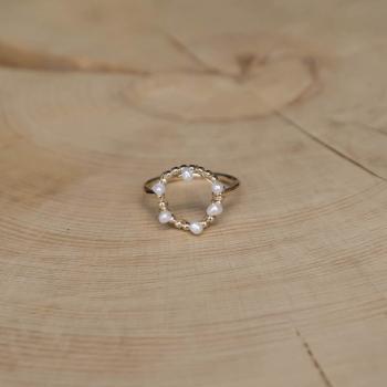 bague fine anneau perles d'eau douce
