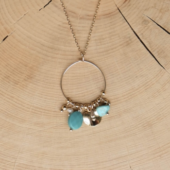 collier serti de pierres de turquoise