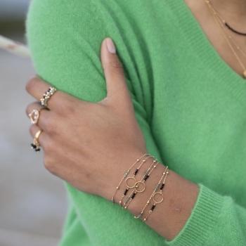 bracelet chaîne perlée anneau pierres agate noire