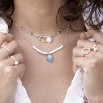 collier chaîne anneau perles turquoise